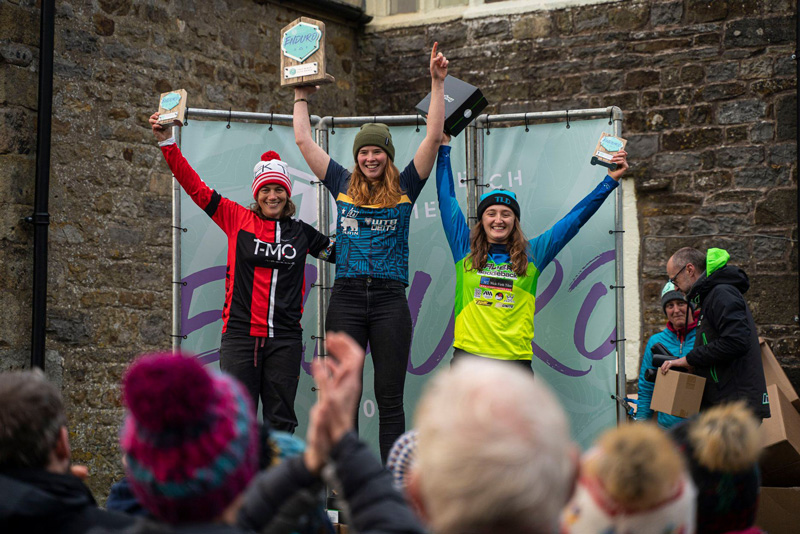 martha gill hopetech womens enduro win